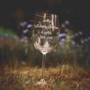 Na čašu pre učiteľov môžete vygravírovať poďakovanie a urobiť tak pekný darček ako spomienku na triedu.