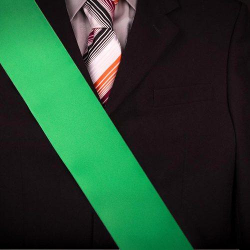 Zelená čistá maturitná šerpa na voľné použitie na stužkovú slávnosť