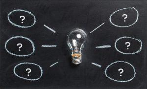 žiarovka s otáznikmi ako vyriešiť veci na stužkovú pred prázdninami