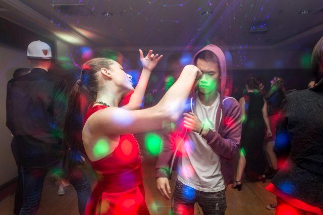 Fotka stužková – Kreatívne zachytenie tanca