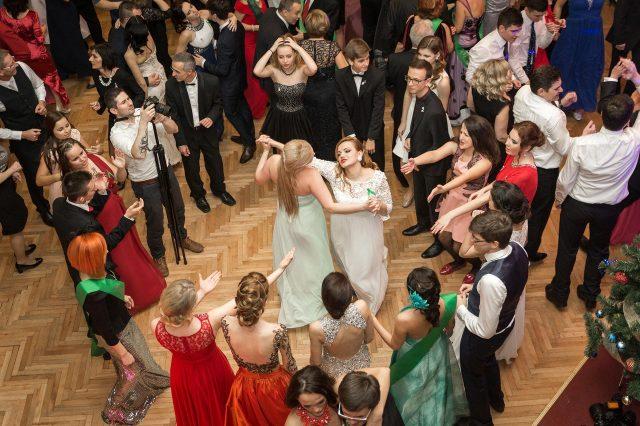 Fotka stužková – Tancujúci maturanti