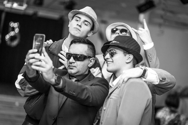 Fotka stužková – DJ selfie s maturantami