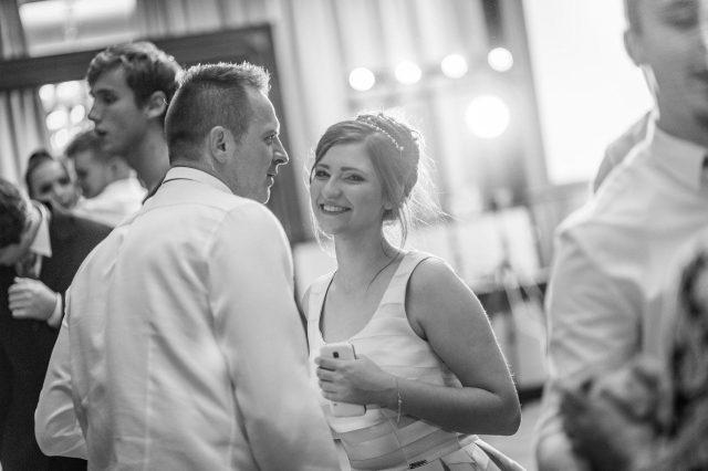 Fotka stužková – Tancujúca maturantka na parkete
